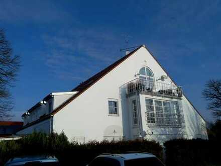 Schöne Galerie-Whg. Ro-Seebronn:2,5 Zimmer, Kochnische mit Einbauküche, Bad,