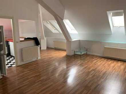 Schöne, geräumige zwei Zimmer Wohnung in Augsburg, Antonsviertel