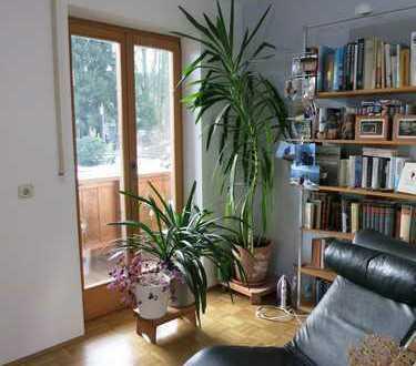 Bad Endorf: schöne, geräumige 3-Zimmer-Wohnung mit zwei Balkonen in ruhiger Lage!