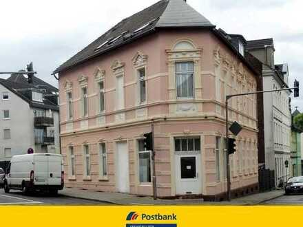 Mehrfamilienhaus in Velbert VELBERT: MEHRFAMILIENHAUS MIT GEWERBEANTEIL UND GROSSEM GRUNDSTÜCK IN