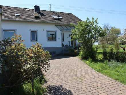 Sehr schöne 3-Zimmer-Dachgeschosswohnung mit EBK in Sinzig-Löhndorf ab dem 1.10.2020