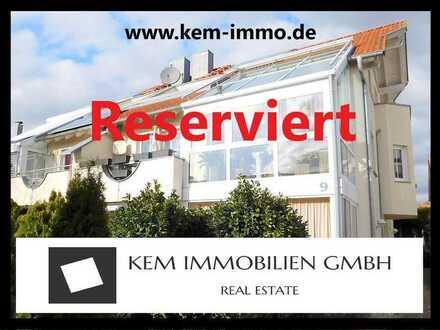 Gehobene 4-Zimmer Galerie-Maisonette Wohnung mit Wintergarten/Loggia/Balkon und 2 Kfz Stellplätzen.