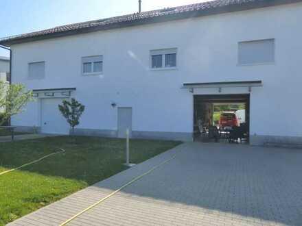 Moderner Gewerbekomplex mit 3 Büroeinheiten u. 2 Lagerhallen, 1 Wohnung