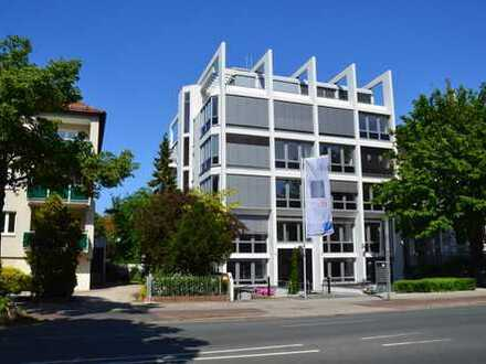300 qm Bürofläche auf einer Ebene im Wachmannstraßen-Quartier. Fahrstuhl. Parkplätze. Archivfläche.