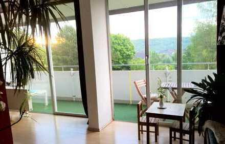 4,5-Zimmer-Wohnung mit Fernblick, Balkon und Einbauküche in Wiesbaden-Auringen