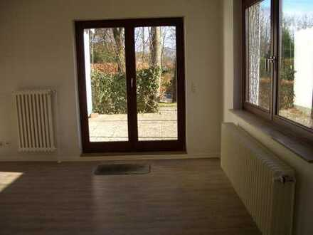 Helle, zentrale, modernisierte 3,5-Zimmer-Erdgeschosswohnung, in Bad Bramstedt