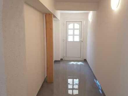Neuwertige Erdgeschosswohnung mit vier Zimmern und EBK in Groß-Umstadt