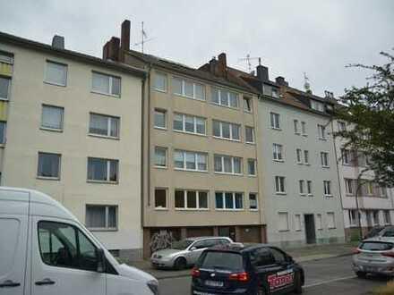 Eigentumswohnung mit Balkon und 2 Garagen
