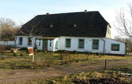 Naturnahes Familienhaus mit Bauland !