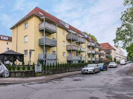 Zentral gelegene 4 Zimmer Wohnung mit zwei Balkonen und Garten