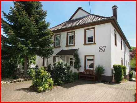 Gemütliches Zweifamilienhaus - ein bezauberndes Zuhause in toller Lage!