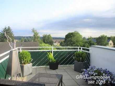 Traumhaft wohnen! Maisonette-Whg* Dachterrasse+ Balkon* zwei Bäder* EBK* Stellplätze* Lage im Grünen