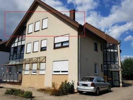 Ruhige Dachgeschosswohnung in zentraler Lage in Herxheim bei Landau