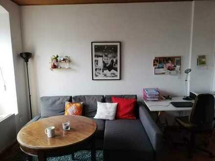 2 helle Zimmer in WG