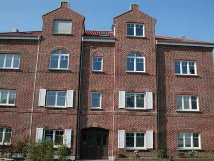 Kleine, aber sehr feine & gehobene 1,5-Zimmer-Wohnung mit Süd-/Ost-Balkon im Zentrum von Rhede