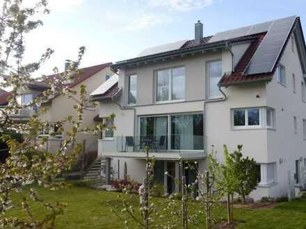 Neuwertiges Einfamilienhaus mit sieben Zimmern und Einbauküche in Altdorf, Böblingen (Kreis)