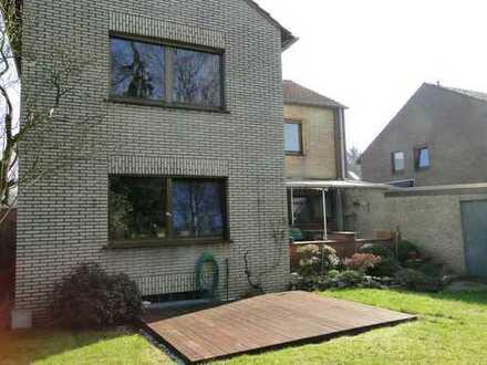 2,5 Zimmerwohnung in ruhig gelegenem Zweifamilienhaus mit Garten zur Alleinnutzung
