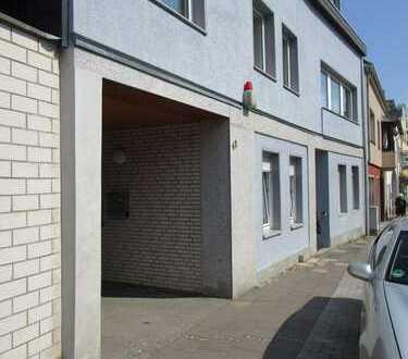 Großzügige Eigentumswohnung mit schönem Aussenbereich in 2-Familienhaus