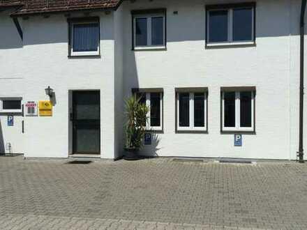 2 Büro-/Praxisräume ( 34 qm ) mit Parkplätzen
