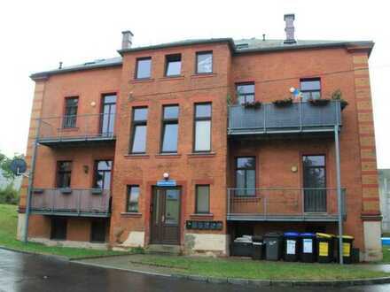 Schicke renovierte 2-Zimmerwohnung mit Stellplatz in Kulturdenkmal Baujahr 1894
