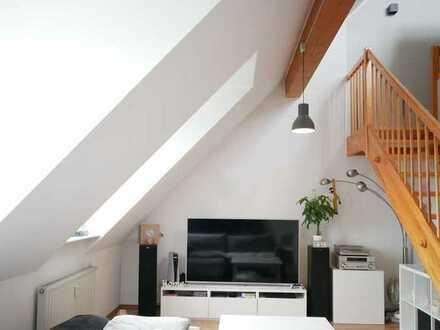 Helles 2-Zimmer-Dachatelier in attraktiver Lage