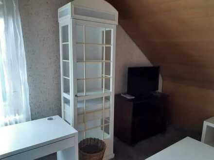 Ansprechende 2-Zimmer-Dachgeschosswohnung mit EBK in Jettingen