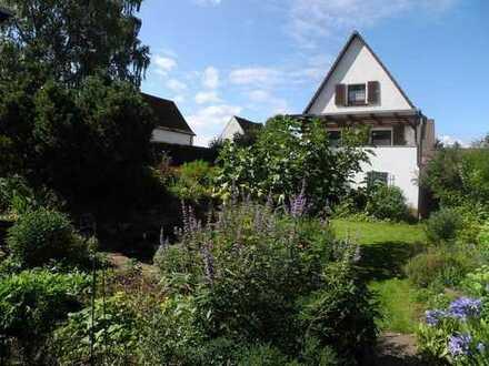 Gemütliches Häuschen mit herrlicher Gartenidylle, schöne alternative zur Stadtwohnung!