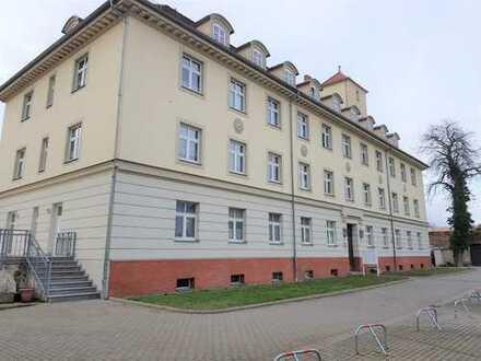 2-Raum-Wohnung mit Balkon sucht neue(n) Mieter 