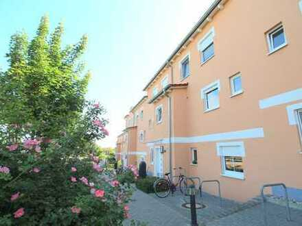 RIEDBERG! Neuwertige Maisonette Wohnung im Spanischen Viertel! 3 Zi., 96 m², Dachterrasse, Carport