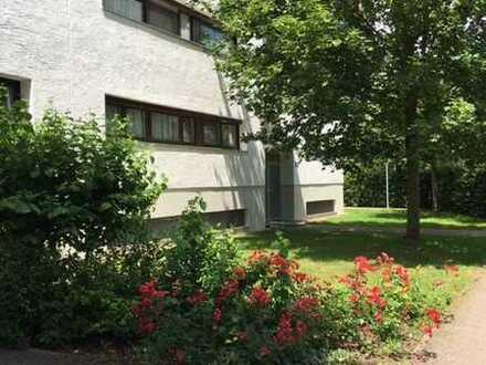 Gut geschnittene 4 ZKB in Alt-Friedrichshofen mit großem Balkon + TG-Stellplatz + Schwimmbad + Sauna
