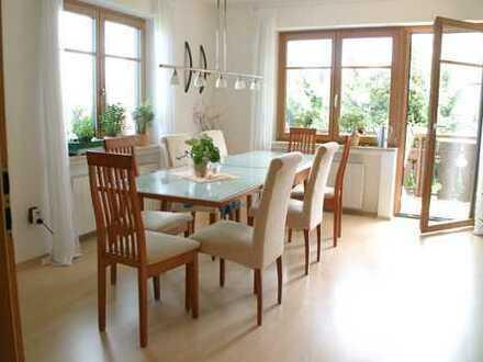 Gepflegte Wohnung mit Balkon in Fürstenfeldbruck (Kreis)