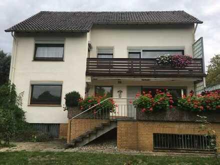 Velber sonnige 5 Zimmer-Wohnung in Zweifamilienhaus mit Garten