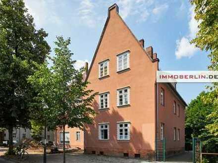 IMMOBERLIN: Charmante Altbauwohnung in Ruhelage nahe Altstadt Tegel