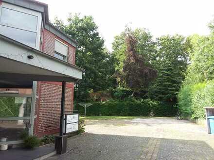 Erstbezug nach Sanierung: geräumige 3-Zimmer-Wohnung mit luxuriöser Innenausstattung in Essen
