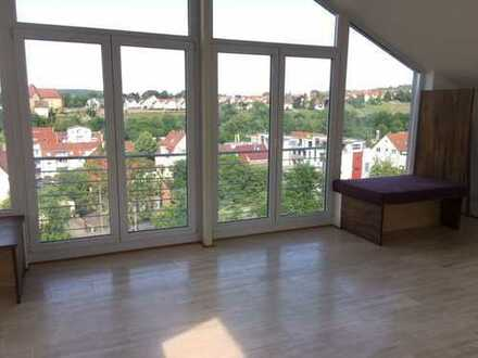 Traumhafter Ausblick über Besigheim!!! Schöne, helle 3,5-Zimmer-Wohnung mit großem Balkon und Garage