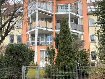 Familienfreundliche 3,5-Zimmer Wohnung, 96 qm, mit Balkon, Carport, in Röthenbach a. d. Pegnitz.