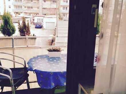 Schönes Zimmer zur Untermiete mit eigenem Balkon/Nähe vom Mercedes Benz Werk
