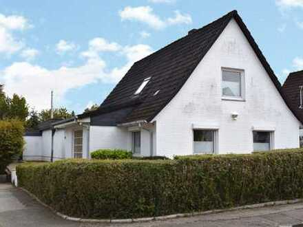 Einfamilienhaus mit Anbau auf einem traumhaften Grundstück in 24111 Kiel-Russee