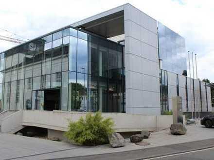 """""""Im Herzen von Wehen"""" Moderne Büroetage mit Fahrstuhl im renomierten Bankgebäude"""