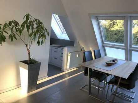 Hochwertig, modernisierte 2-Zimmer-Maisonette-Wohnung mit Balkon und EBK in Ludwigsburg