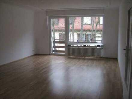 Vollst. sanierte,renovierte 4-Zi-DG-Wohnung mit Balkon und Einbauküche in Baden-Baden Innenstadt