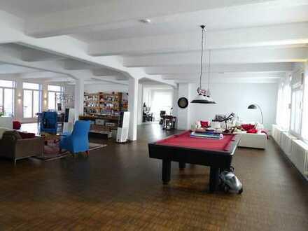 312 m² NEW YORK CITY LOFT IN STUTTGART