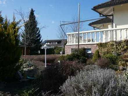 +++ Walmdach-Villa in Aussichtlage +++