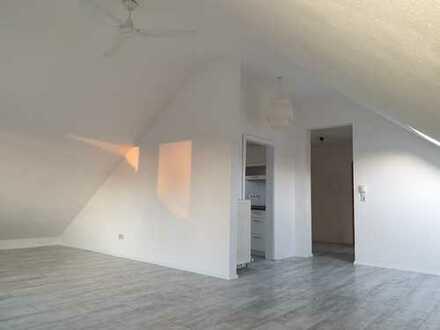 2,5 Zi. DG Wohnung 520 €, 60m², 2,5 Zimmer