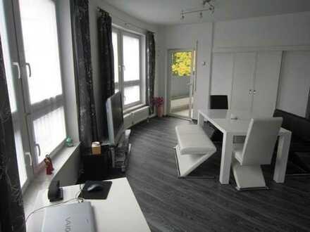 Möbliertes, großzügiges und lichtdurchflutetes Apartment mit Balkon und TG