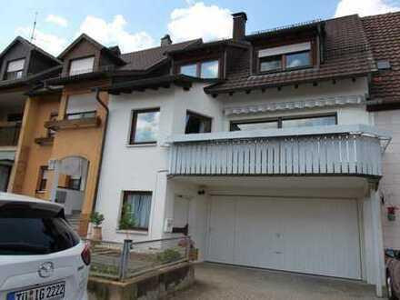 Einfamilienhaus mit EBK und Garage