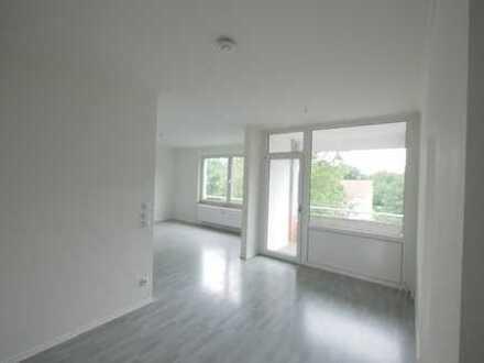 Nach Sanierung topp : helle, freundliche 4,5 Zimmer Wohnung in Schwalbach a.Ts.