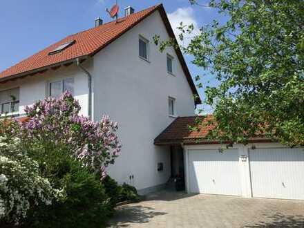 Schönes, geräumiges Haus mit fünf Zimmern in Aichach-Friedberg (Kreis), Friedberg