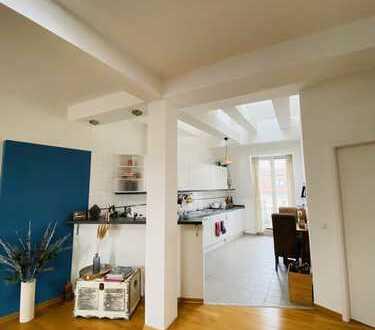 Möblierte 2-Zimmer-Dachgeschoss-Wohnung Nahe Kudamm