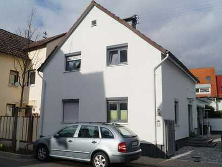 Schönes kleines freistehendes Haus in Frankfurt am Main, Harheim mit vielen Extras